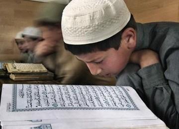 Syiah Rafidhah Memfitnah Al Quran Kehilangan 127 Ayat