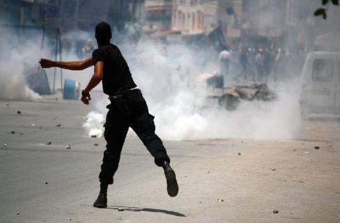 Kelompok jamaah islam dalam bentrokan yang terjadi sepanjang hari