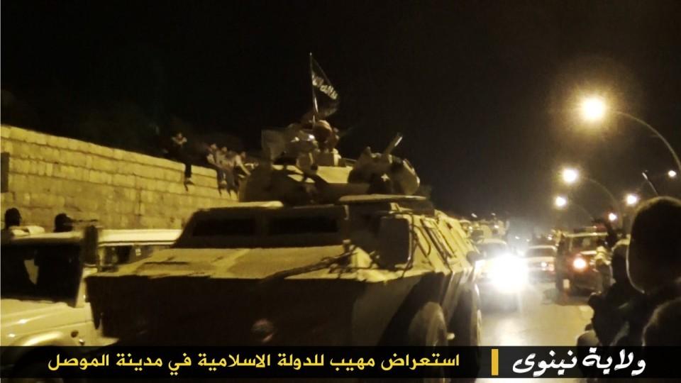 parade militer Sunni 12