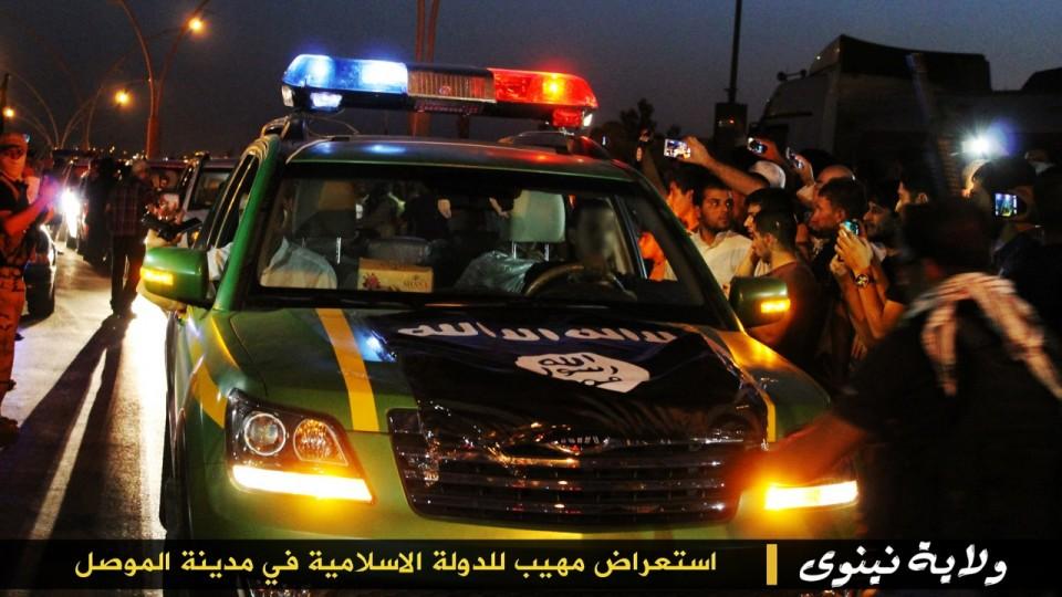 parade militer Sunni 14