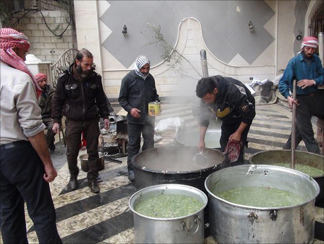 antrian makanan warga Suriah 3