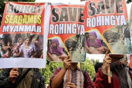 antarafoto-Aksi-Save-Rohingya-270712-ds-1