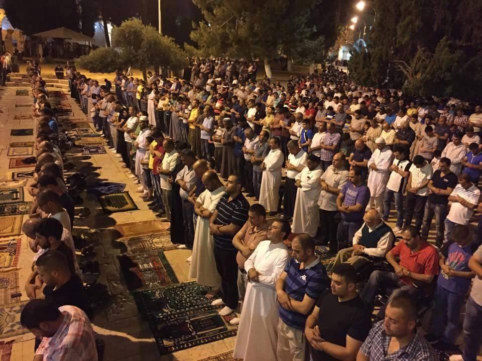 tarawih di masjid al Aqsha -