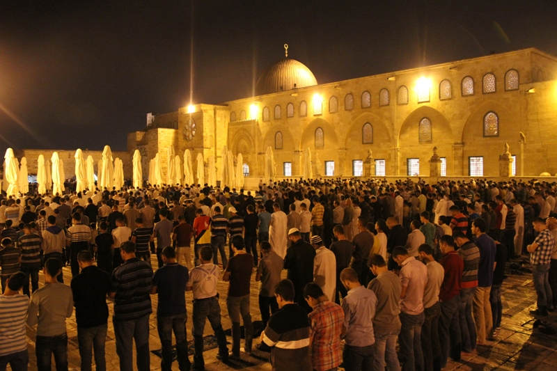 tarawih di masjid al Aqsha - 3