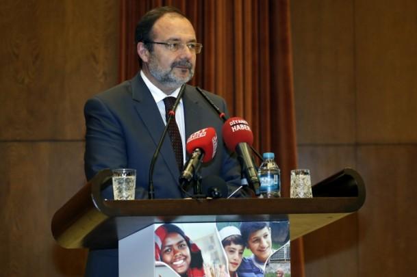 wisuda pengungsi Suriah di turki -sambutan Menteri urusan agama turki